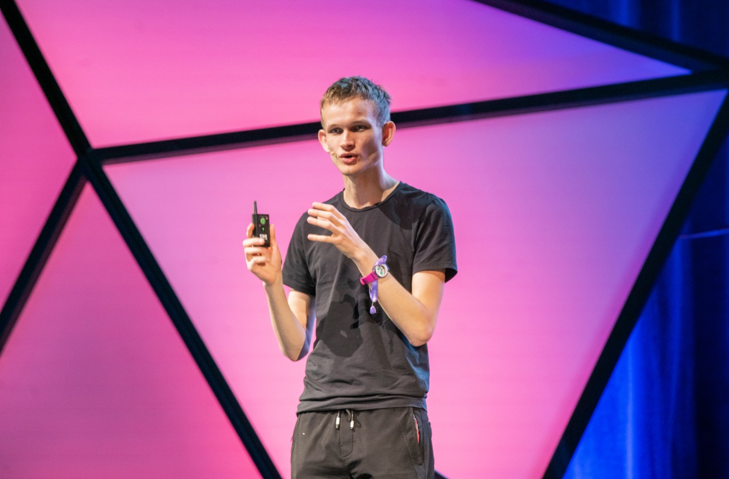 Ethereum Creator Vitalik Buterin Proposes Wallet Fee to Fund Developers - CoinDesk